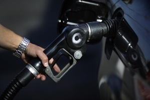 gasoline_pump_business_desk
