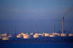 oil-tank-farm
