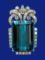 QueenElizabeth'sBrazilianaquamarinejewelry